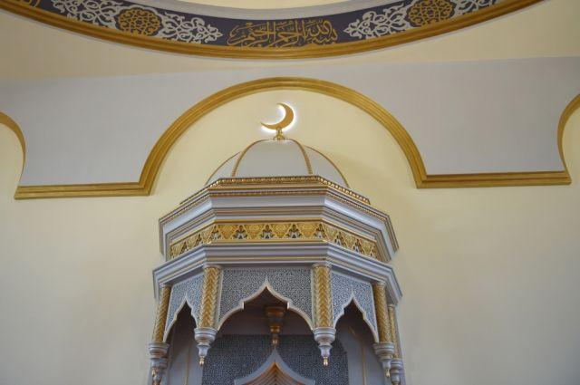 В казанской мечети Тюменской области впервые прошел День открытых дверей