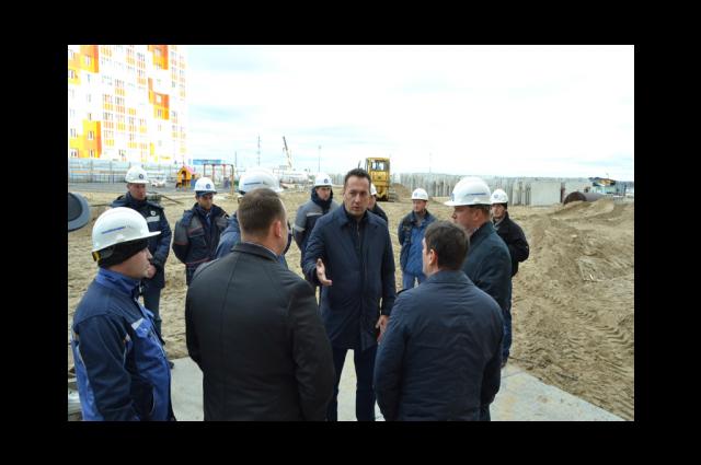 Замгубернатора Андрей Воронов побывал на строительных объектах Надыма
