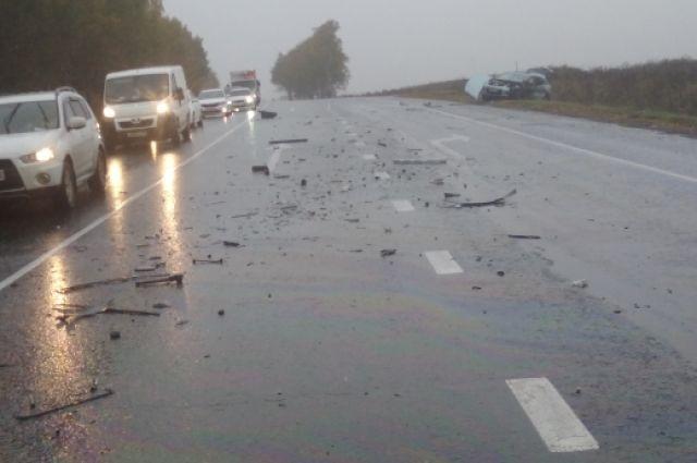Сообщение об аварии поступило в МЧС в 15.07