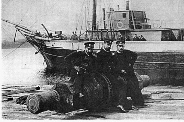 Центральным экспонатом выставки стала фотография, на которой запечатлены три флотских офицера: Колчак, Коломейцев, Матисен.
