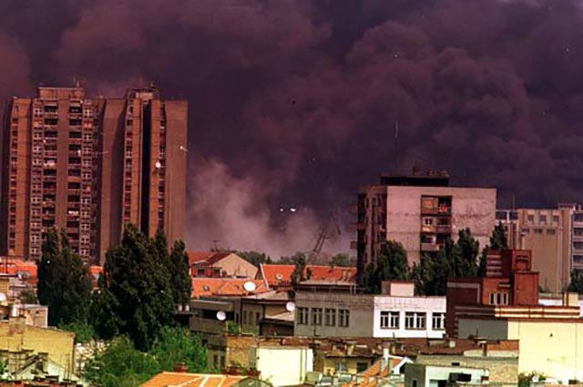 Столтенберг разъяснил , зачем НАТО в 1999  бомбили Белград