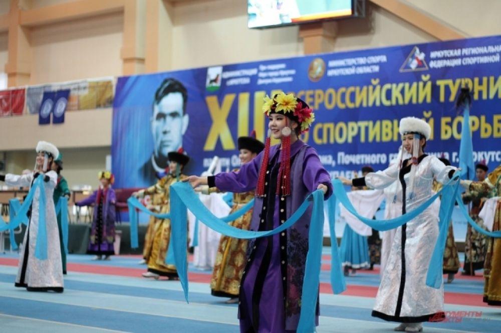 В день открытия Всероссийского турнира было подписано Соглашение о сотрудничестве между администрацией Иркутска и общественной организацией «Иркутская региональная федерация спортивной борьбы».