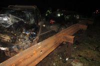 Водители обоих автомобилей получили травмы, несовместимые с жизнью. Пострадала 11-летняя пассажирка Renault и 26-летинй пассажир «Шевроле». Обоих отвезли в больницу.