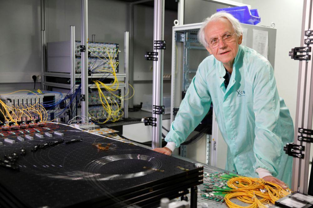 Нобелевскую премию по физике присудили французу Жерару Муру и канадской исследовательнице Донне Стрикланд «за изобретение принципа генерации коротких оптических импульсов высокой интенсивности». На фото: Жерар Муру.