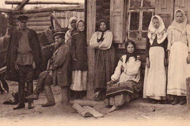 С 16,5 лет могли выходить замуж женщины, мужчинам разрешалось жениться с 17,5 лет.
