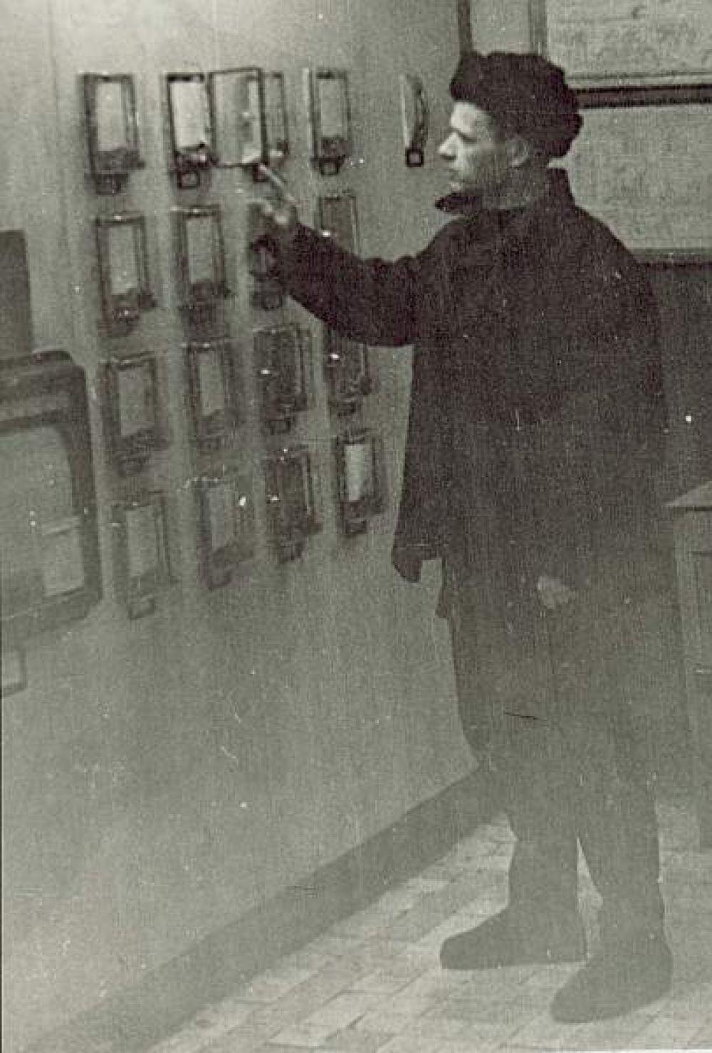 Начало карьеры Сухарева.