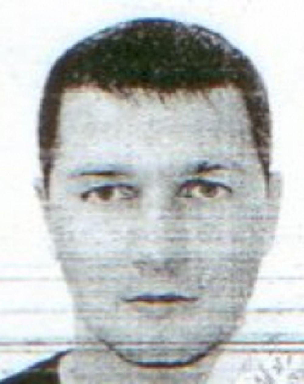 Владимир Шестерин, 1977 года рождения. Мужчина входил в состав преступной группировки, занимавшейся разбоями и убийствами. Также он причастен к заказному убийству 2009 года в Советском районе города Волгограда.