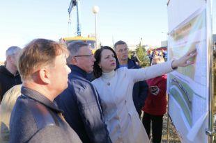 Мэр Омска рассказала губернатору о планах благоустройства набережной Иртыша.