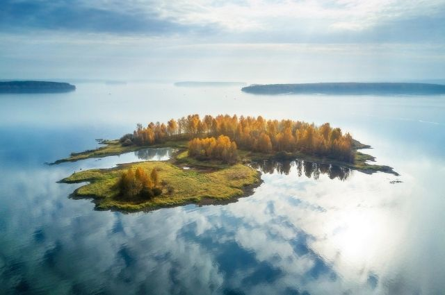 «Парящий остров» екатеринбургского фотографа Василия Яковлева.