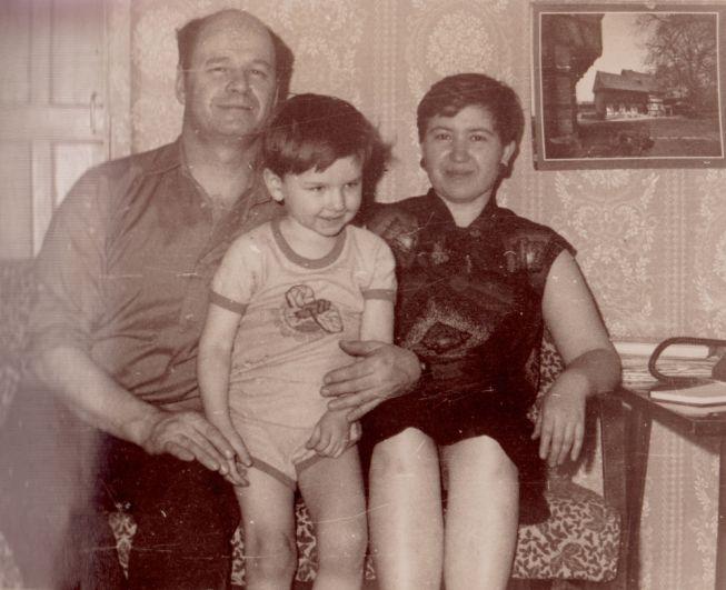 Вениамин Сухарев с семьёй.