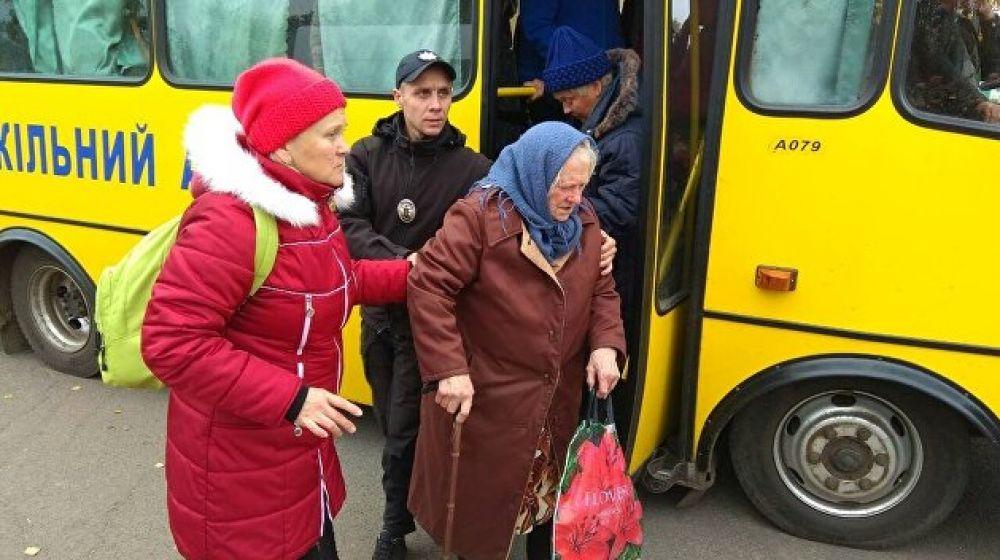 Эвакуация местных жителей, всего было вывезено из зоны ЧП около 12,5 тысяч человек.