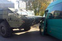 Под Днепром ЗРК «Оса» врезался в маршрутку: есть пострадавшие
