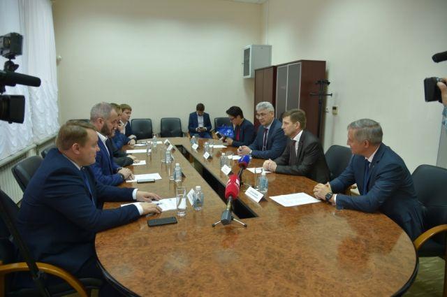 В ходе делового общения глава региона выразил позицию, которую займет на ближайшие пять лет правительство Хабаровского края в отношении бизнеса.
