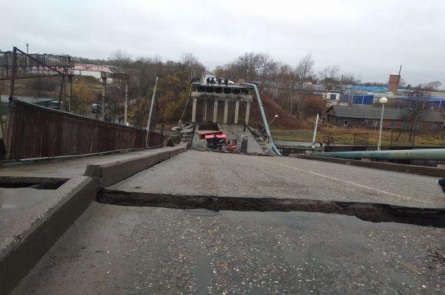Осуществлен демонтаж аварийного пролета моста.