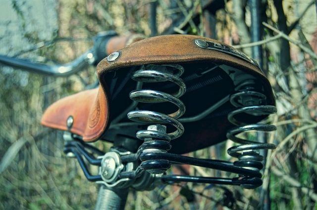 В Новотроицке водитель Mitsubishi сбил пожилую велосипедистку