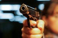 Неизвестные обстреляли автомобиль на автодороге Херсон-Феодосия-Керчь.