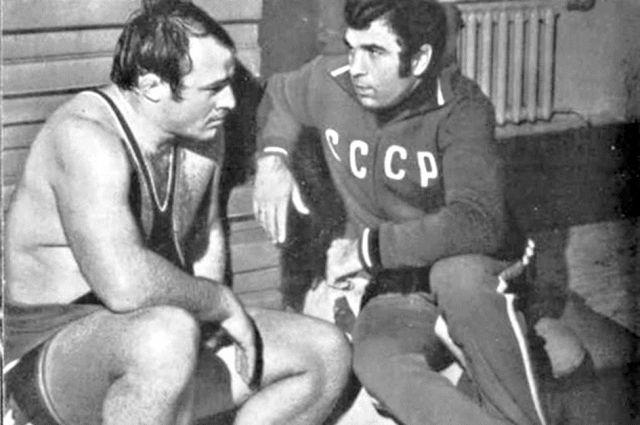 Двукратный Олимпийский чемпион Иван Ярыгин и его легендарный тренер Дмитрий Миндиашвили.