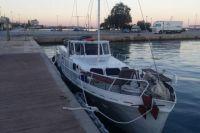 В Средиземном море задержана украинская яхта с 57 «нелегалами»