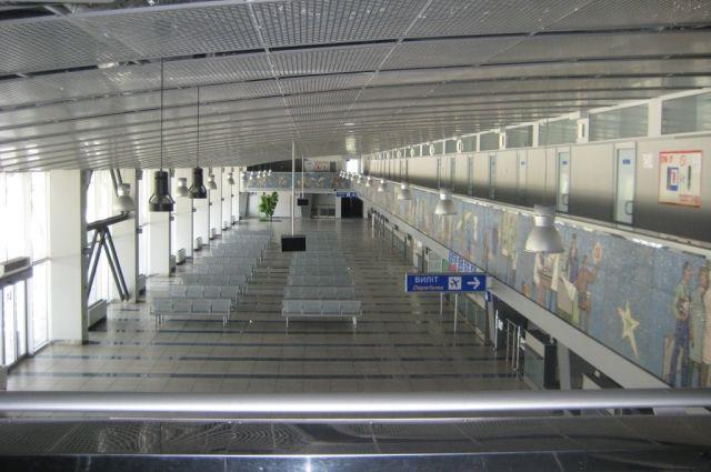 В Европарламенте призвали Украину открыть аэропорт в Мариуполе