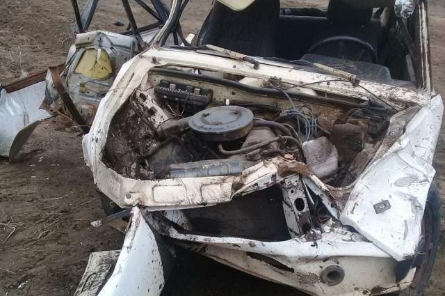 В Беляевском районе «ВАЗ-21053» вылетел в кювет и опрокинулся.