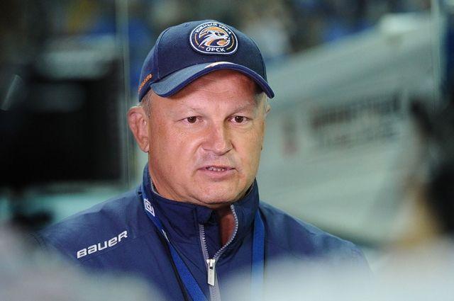 Свое решение Евгений Зиновьев объяснил неудачным стартом команды в сезоне.