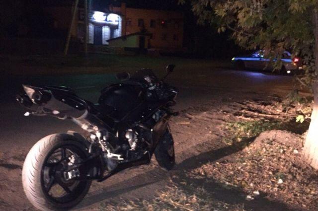 В Сорочинске на ул.Орджоникидзе погиб мотоциклист.