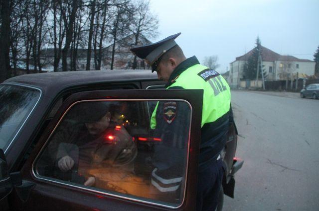 Под Оренбургом на трассе в ДТП пострадали два пешехода.