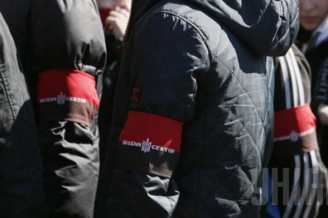 Ярош объявил обуходе нацбатальонов спередовой