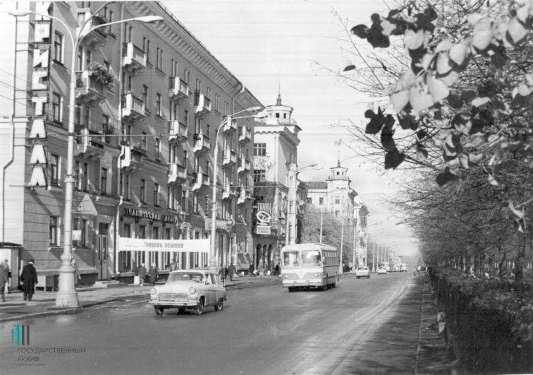 Комсомольский проспект, 1977 год.