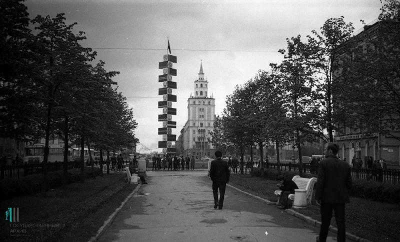 Часть Комсомольского проспекта у Комсомольской площади, 1960 год.