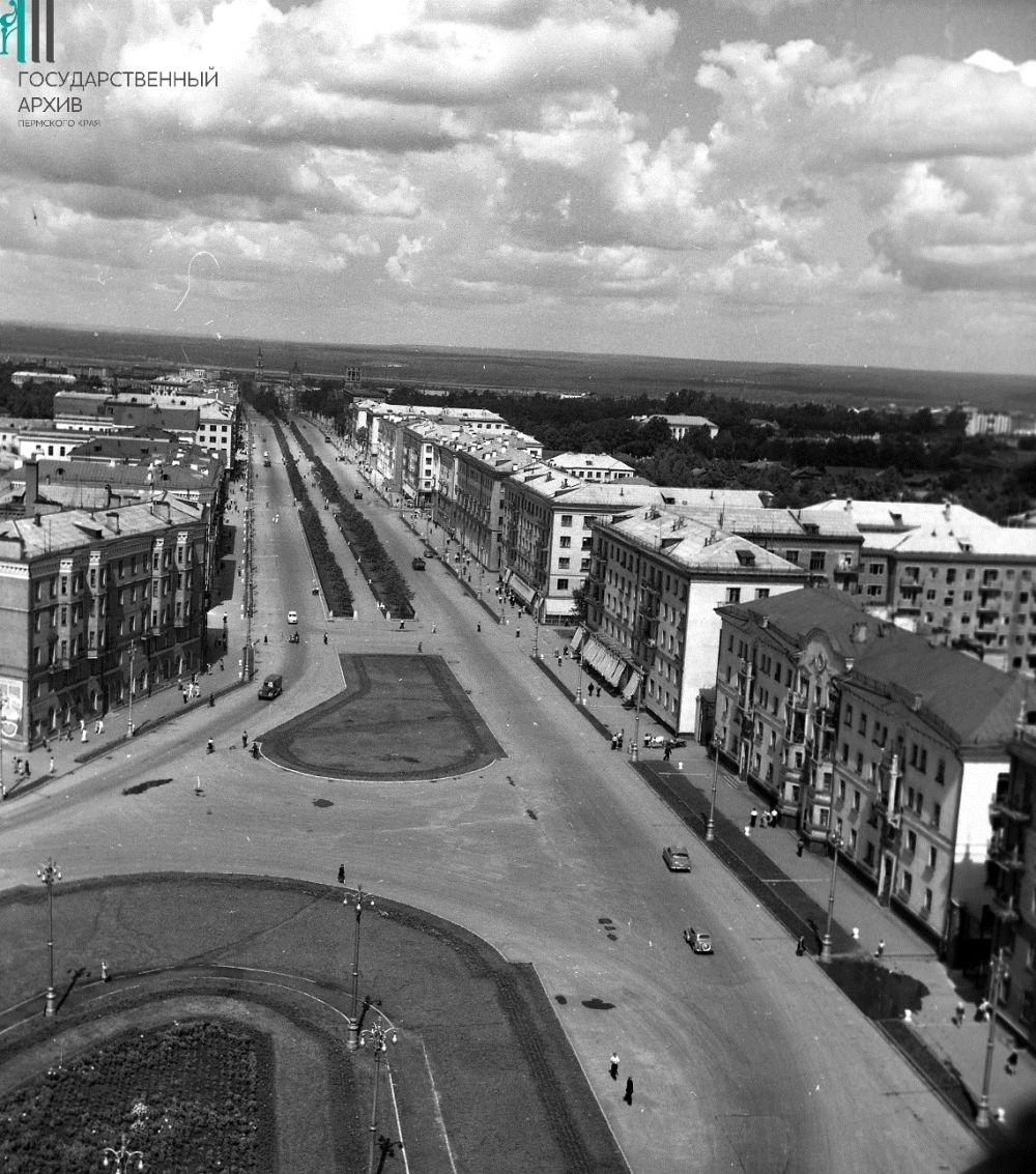 Комсомольский проспект с высоты здания областного МВД, 1960-е годы.