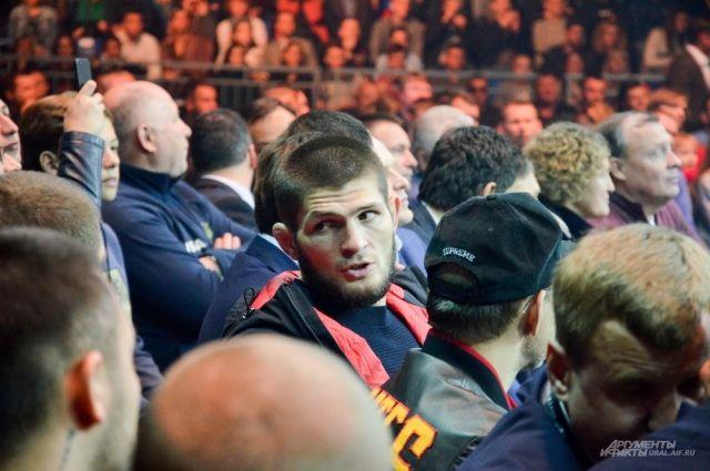 Российский боец MMA Хабиб Нурмагомедов на четвертьфинале Всемирной боксерской суперсерии в Екатеринбурге.