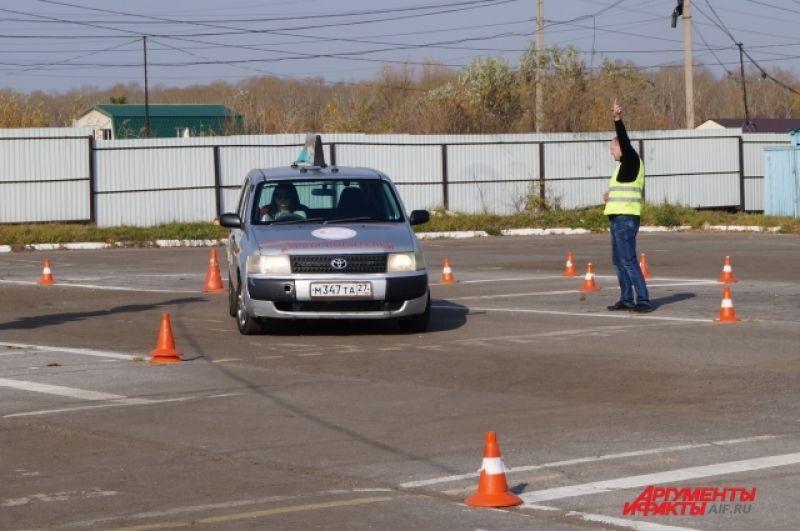 Участникам предстояло показать свои умения в чёткой и правильной парковке