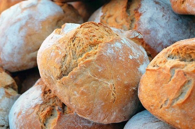 Не спешите выбрасывать засохший хлеб, он вам еще пригодится!