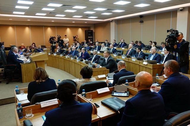 Внеочередная сессия краевого парламента получилась плодотворной.