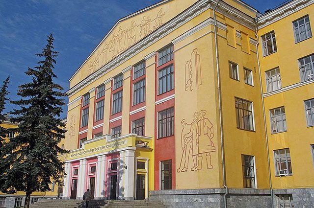 Лучшие русские университеты врейтингеQS БРИКС