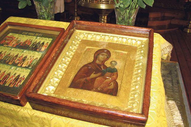 Смоленская икона Божией матери – одна из самых почитаемых  на Руси.