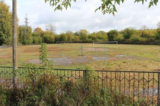 Беговые дорожки мирового уровня планируют уложить на стадионе школы №38.