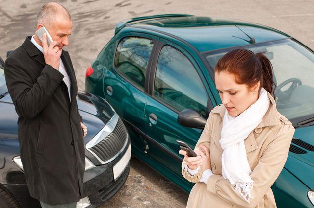 Зачастую крупные компенсации за разбитые автомобили получают профессиональные «решалы», а вовсе не владельцы машин.