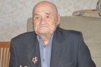 С душой фронтовика Бородин шил костюмы героям Великой Отечественной войны к своему первому спектаклю «Памятные встречи».