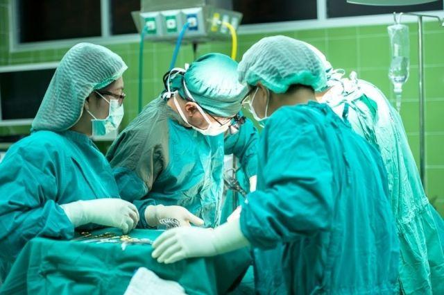 Операция длилась четыре с половиной часа.