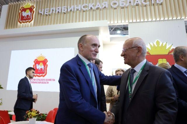 На выставке «Золотая осень» можно было не только представить продукцию южноуральских аграриев, но и обсудить многие актуальные вопросы АПК.