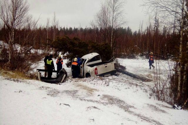 В районе Ноябрьске Toyota улетела в кювет, два пассажира госпитализированы
