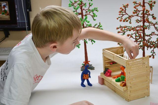 Дети могут сами создавать мультфильмы - от пластилиновых до рисованных.