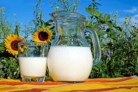 Натуральное молоко хранится открытым не более пяти суток