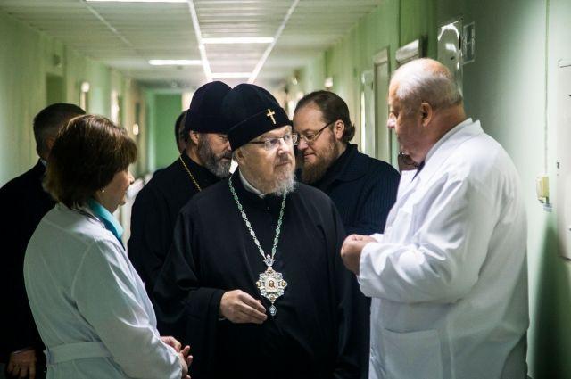 В красноярской больнице состоялась встреча врачей и богослужителя.