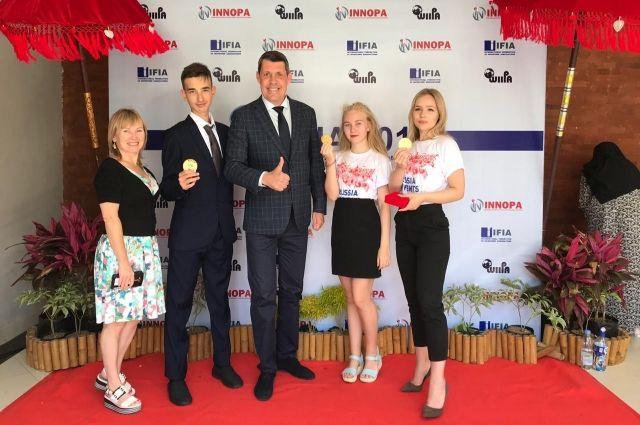 С конкурса юных изобретателей школьники Татарстана привезли три золотые медали.