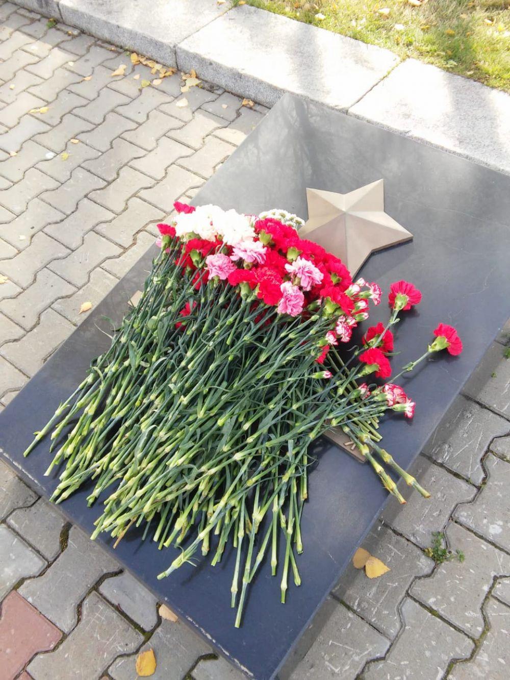 Акция памяти по погибшим в Керчи прошла в Барнауле.