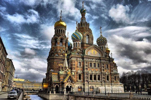 Спас на Крови в Петербурге окружен множеством легенд.