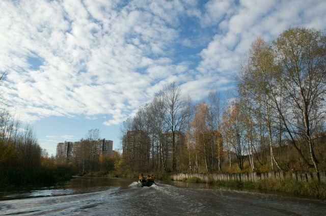 В Петербурге реку Славянку отгородили от Невы из-за загрязнения